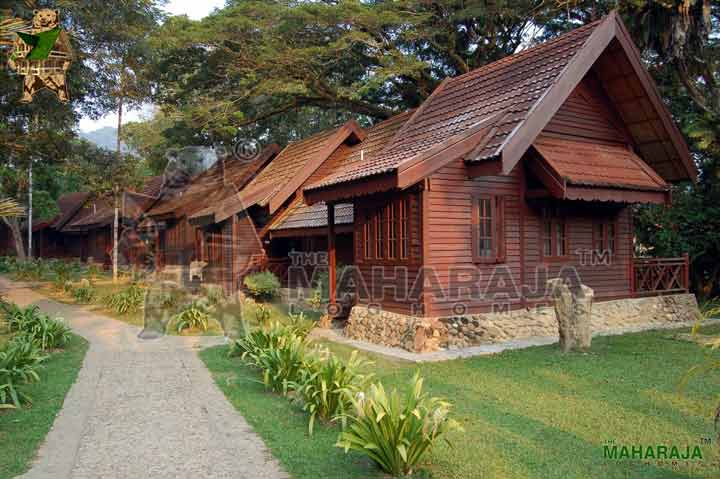 Wooden garden huts timber chalets manufacturers the maharaja log homes - Wooden vacation houses nature style ...